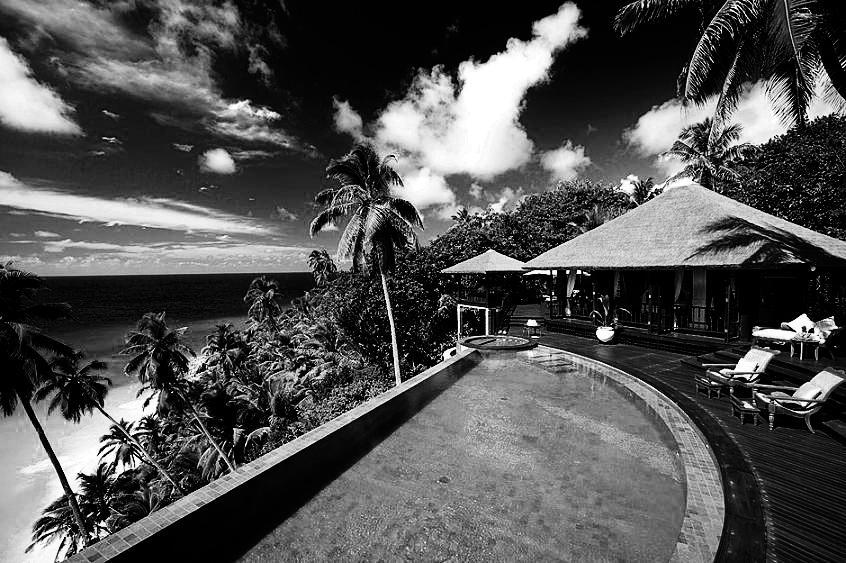Villa Les saintes.jpg