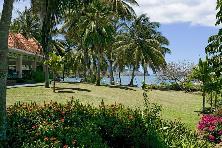 H tel le bakoua vue panoramique martinique - Mobilier de jardin zyke saint etienne ...