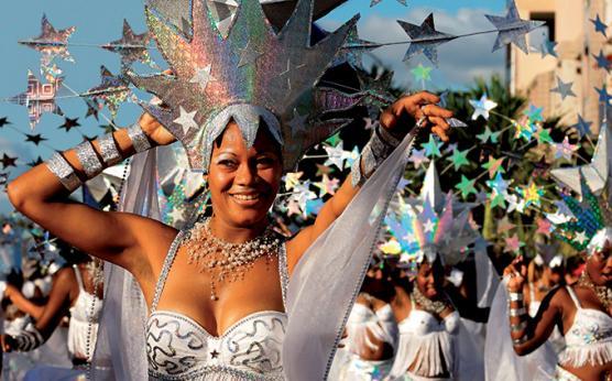 Carnaval en Martinique familles.jpg