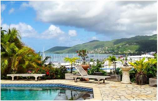 Résidence des îles Martinique piscine vue mer.jpg