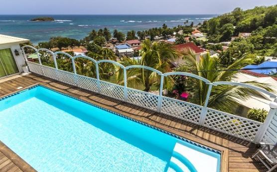 Villa haut de gamme piscine privée vue mer Martinique (6).jpg