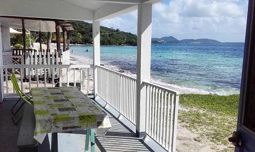 Villa les pieds dans l'eau en Martinique (2).jpg