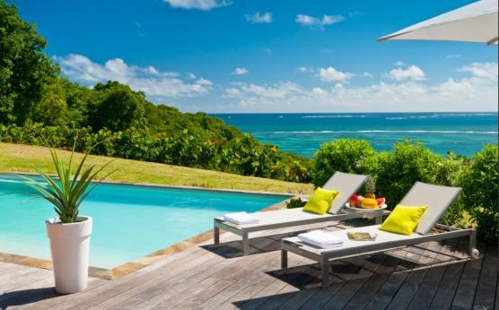 Villa Martinique haut de gamme piscine privée (3).jpg