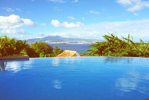Villa Martinique piscine privée vue mer - La Favela.jpg