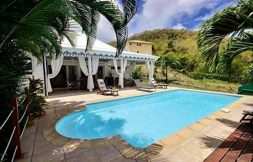 Villa Sainte Anne Martinique piscine privée (5).jpg