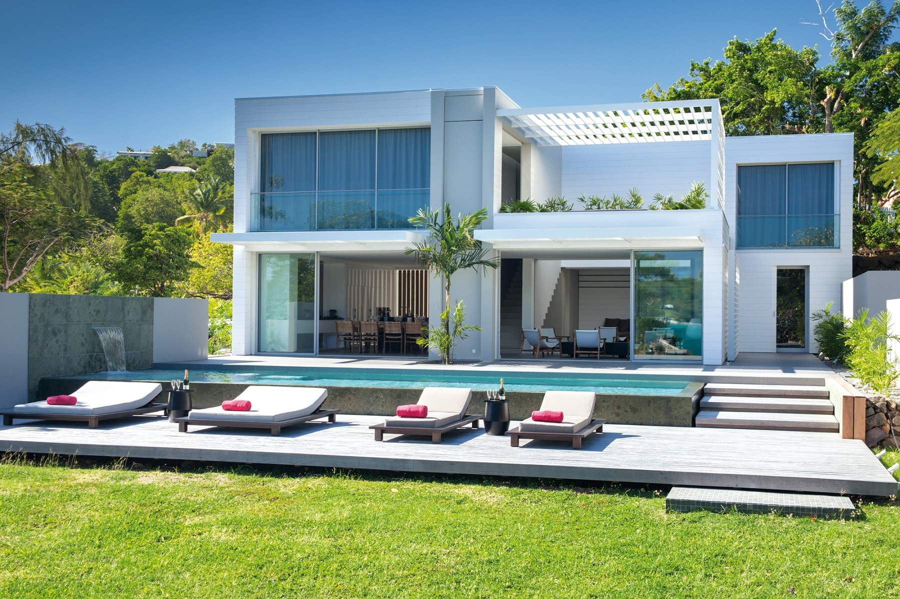 villa de luxe martinique. Black Bedroom Furniture Sets. Home Design Ideas
