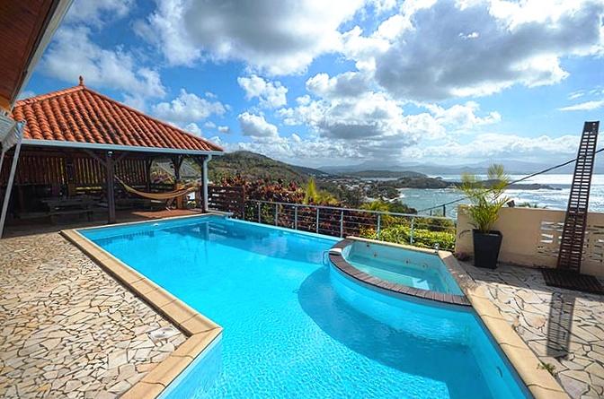 Villa vue mer et montagne pel e tartane martinique for Villa piscine martinique
